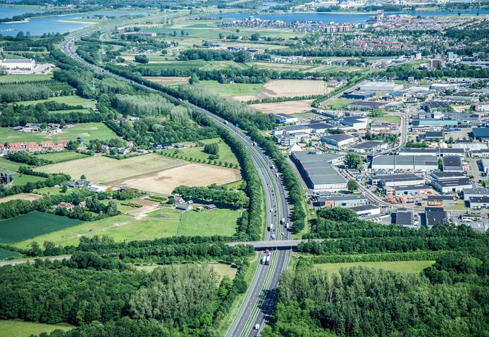 De snelweg A73 gezien vanaf Cuijk richting Heumen.
