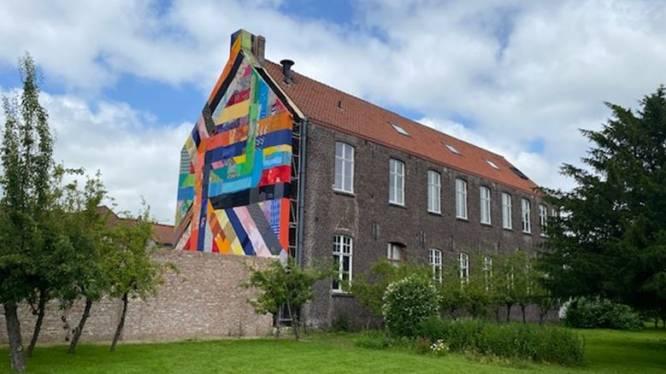 Nieuw Triënnale-kunstwerk prijkt aan gevel van Kantmuseum