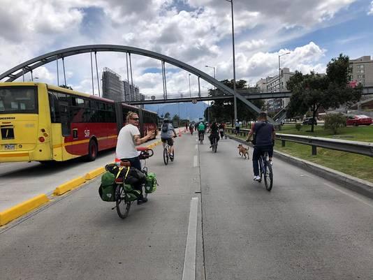 Les deux amis ont débuté leur voyage sportif à Bogota, en Colombie.