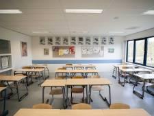 Geef middelbare school uitzicht op fysieke les