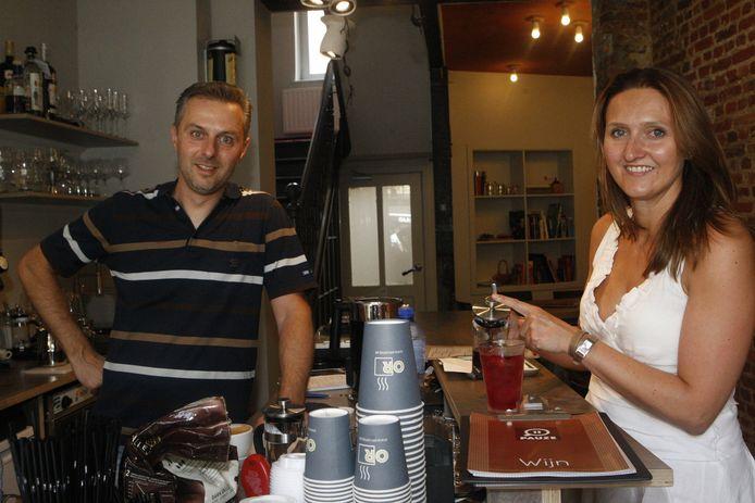 Rutten samen met haar man Jimmy Geurts in koffiebar Pauze.