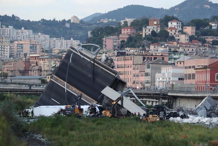 De ingestorte brug van Genua. Beeld AFP