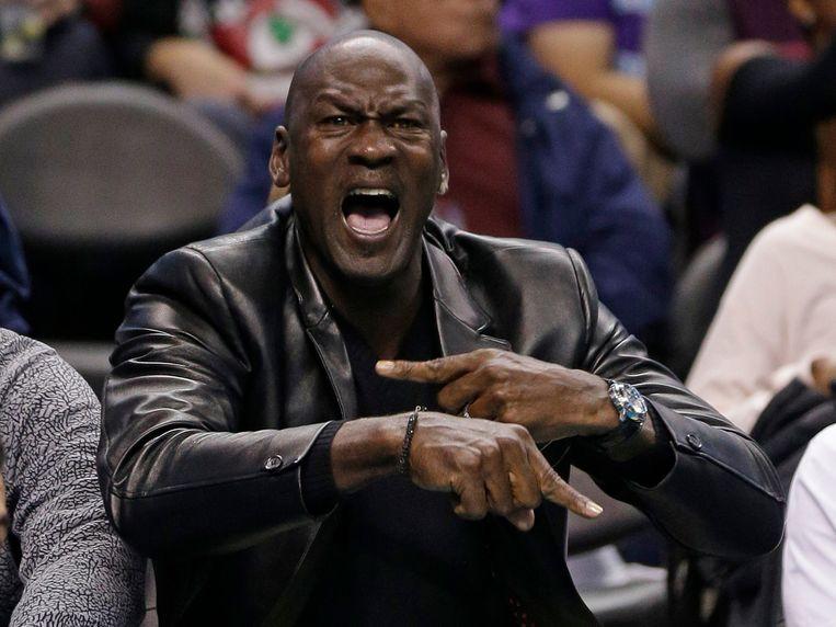 Michael Jordan is het levende voorbeeld van hoe salaris uiteindelijk zakgeld wordt. Beeld AP
