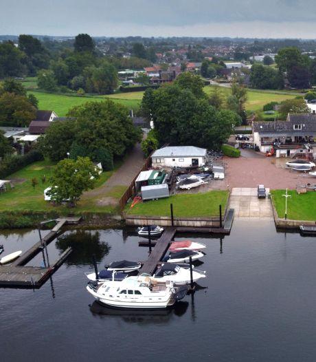 Altena en Oostema Watersport steggelen in rechtszaak over steigervergunning