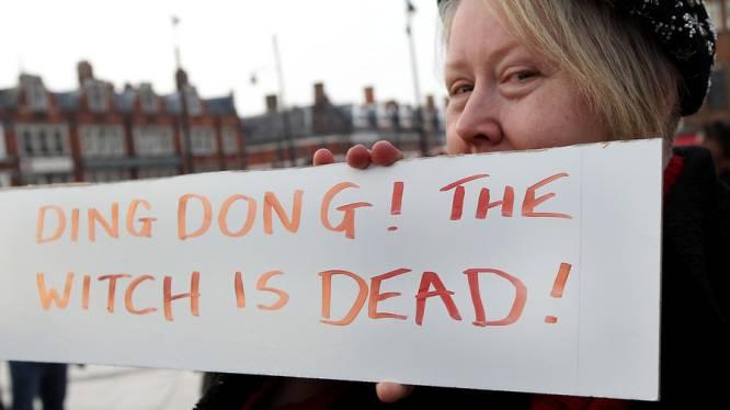 """""""Ding Dong The Witch Is Dead"""" de retour dans les charts anglaises"""
