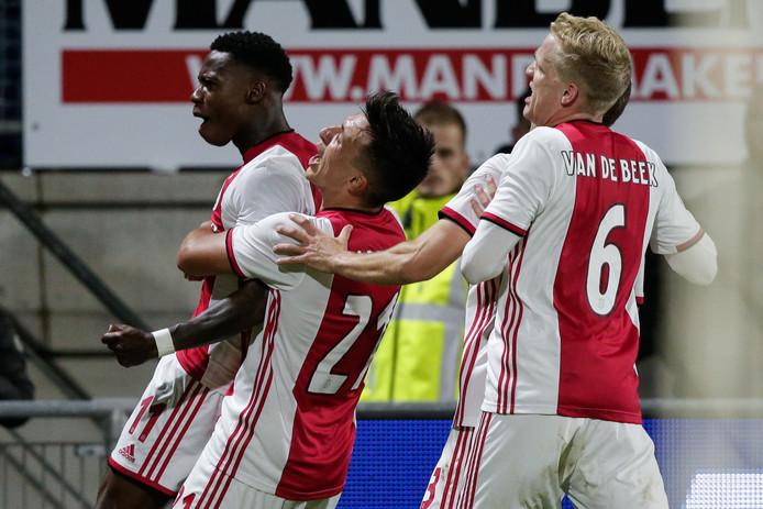 Quincy Promes of Ajax, Lisandro Martinez en Donny van de Beek.
