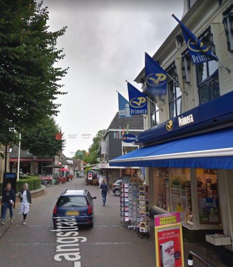 Wéér een winkel dicht in de Langstraat in Wijhe