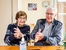 Alphens echtpaar ontvlucht Tenerife, maar komt corona weer tegen: 'Je kunt jezelf niet opsluiten'