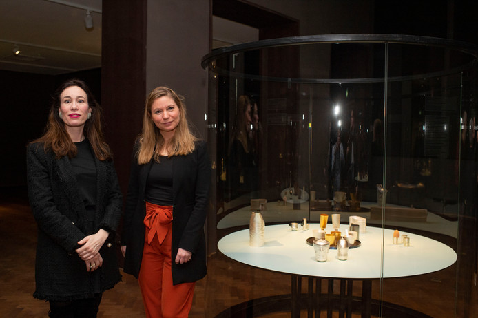Directeur Eva Olde Monnikhof en curator Catherine Regout
