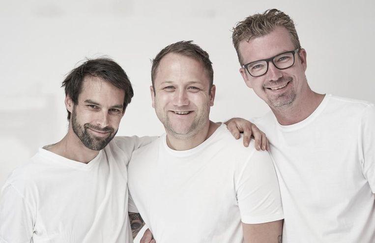 Robert Poel (midden) met Patrick Elzinga (rechts) en Sander Hodenius (links). Beeld