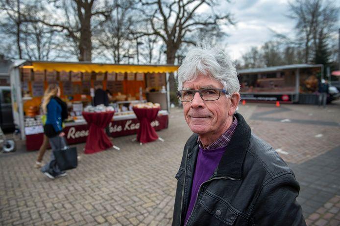 Kees Pellis wil meer openbare toiletten, o.a. op het Nassauplein in Zundert.