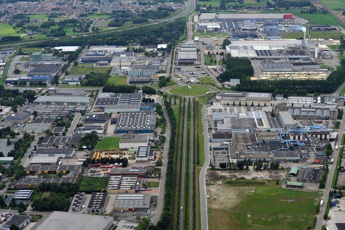 Luchtfoto (archief) van industrieterrein Vosdonk.