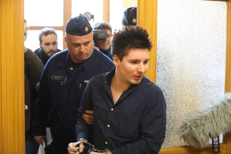 Rui Pinto vorig jaar tijdens zijn arrestatie in Boedepast.