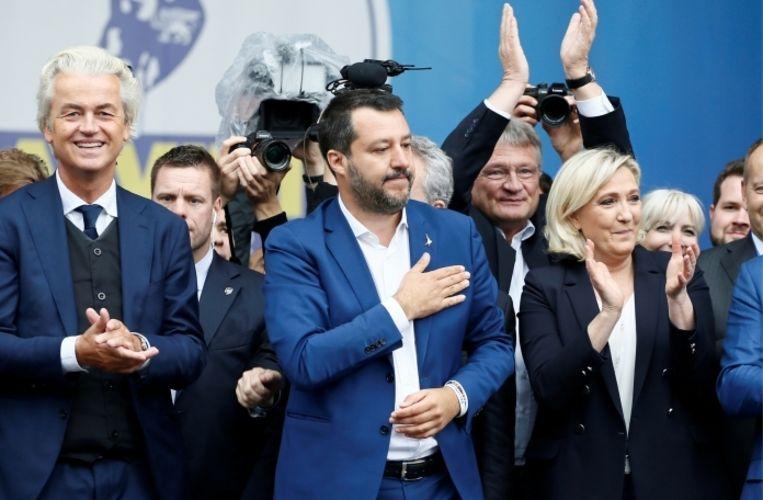 Matteo Salvini tussen Geert Wilders en Marine Le Pen: 'Het fascisme en het communisme zijn al jaren dood.' Beeld