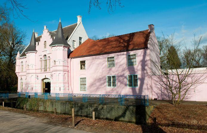 Het Roze Kasteel op landgoed Steenenburg, voorheen de Poort van Heusden, voorheen het Land van Ooit. foto: ArecDMB Groep