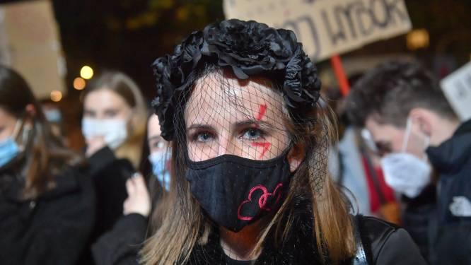 Polen demonstreren massaal tegen inperken abortus