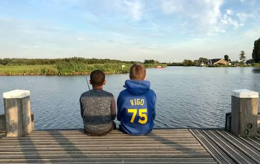 Even vissen in Midden-Delfland.
