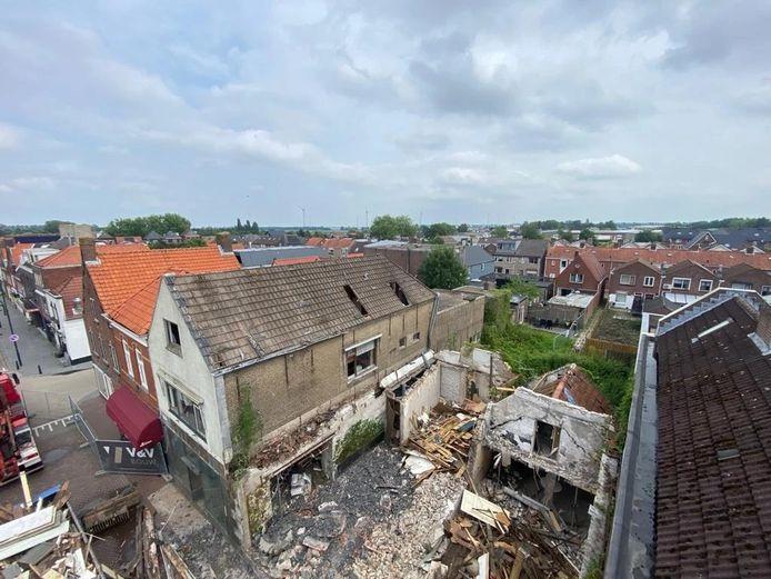 Het voormalige pand van Slings in Dinteloord is gesloopt.