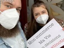 """Deux tatoueurs manifestent pour la reprise de leurs activités: """"On a les mesures d'hygiène les plus strictes"""""""