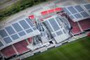 Een deel van het dak van het AFAS Stadion stort in, gelukkig op een moment dat er geen mensen aanwezig waren.