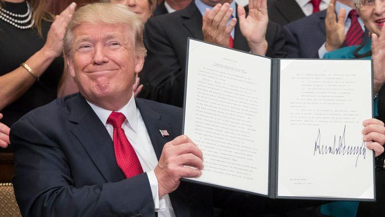 Trump nadat hij een presidentieel decreet ondertekende waarin staat dat de subsidie voor Obamacare zal stoppen. Beeld null