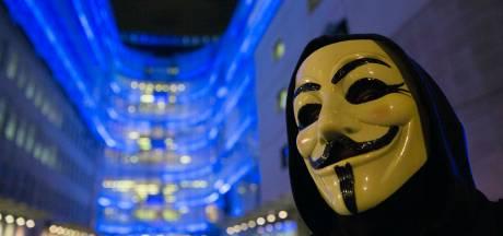 Anonymous liste les comptes Twitter de jihadistes