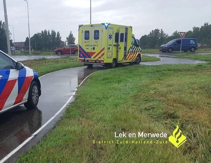 Onder meer een ambulance kwam ter plaatse na de valpartij.