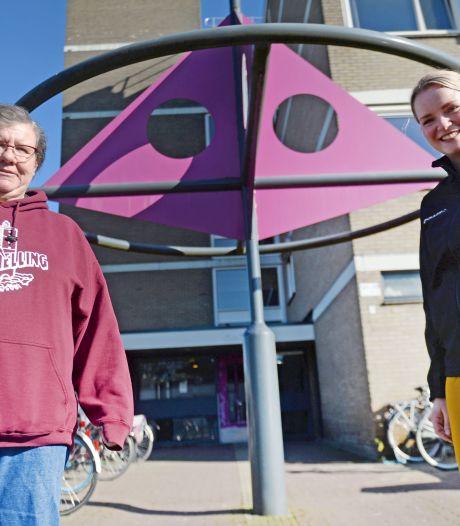 Paulien (57) uit Enschede wilde geen maagband en valt nu af door meer te sporten met hulp van een coach