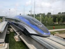 Un train révolutionnaire sort de l'usine en Chine