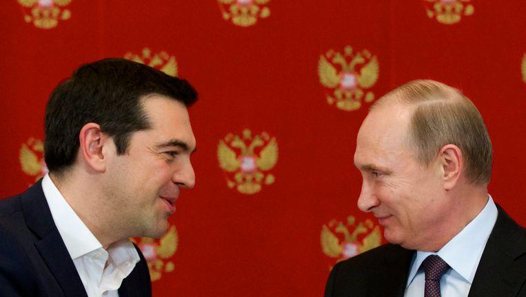 De Griekse premier Alexis Tsipras bezocht de Russische president Vladimir Poetin in april. Beeld EPA