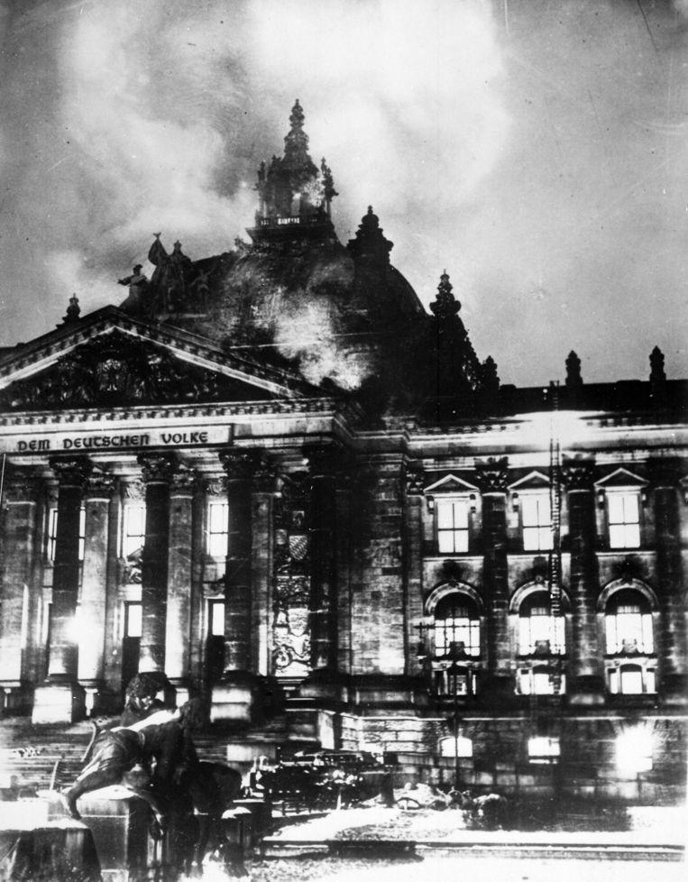 De brand in de Reichstag op 27 februari 1933. Beeld Wikimedia/Nationale Archief en Dossier Administratie