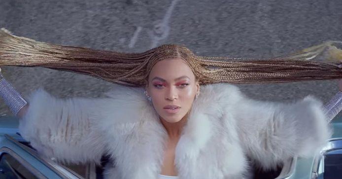 Beyoncé in haar nieuwe clip 'Formation'