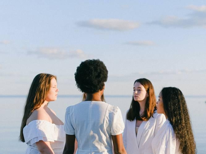 """'Cirkelen' is een nieuwe opkomende trend bij vrouwen: """"Het is veel meer dan een cavaclub of theekransje"""""""