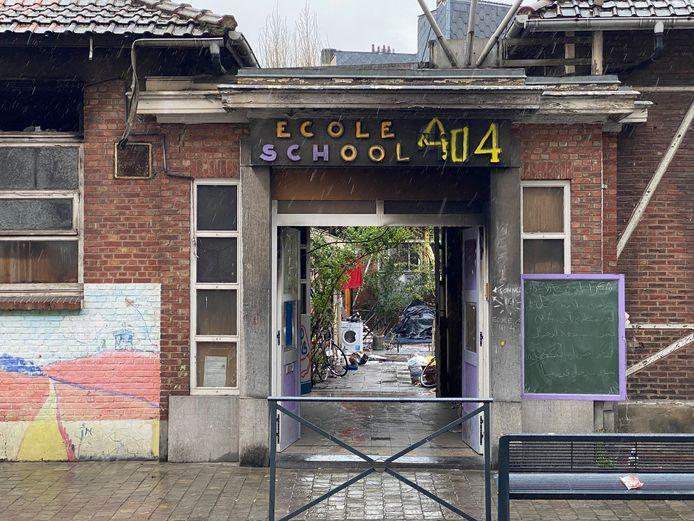 Een van de 'paviljoenen' is verwoest door de brand.