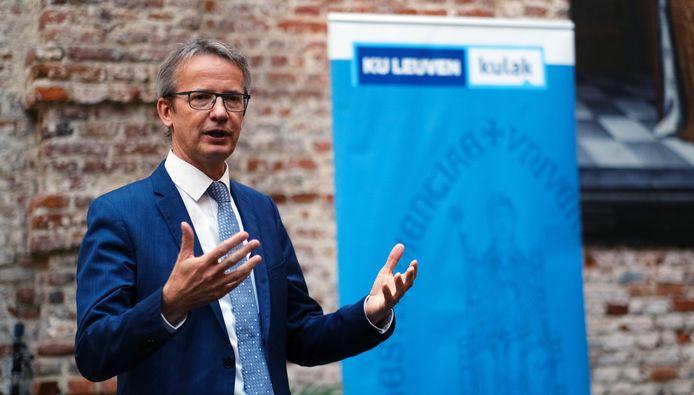 KU Leuven rector Luc Sels aan het woord, dinsdagmiddag in de Beatrijszaal in het historisch stadhuis
