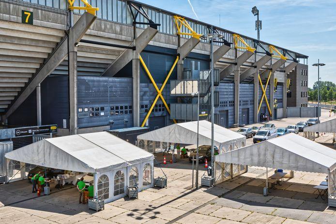 Achter het Rat Verlegh Stadion was lange tijd een coronatestlocatie van de GGD gevestigd.