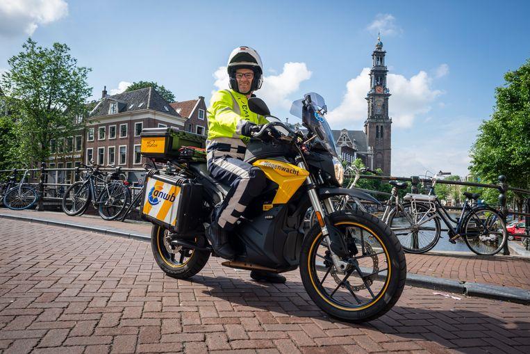 Edddy Segers in Amsterdam: 'Durf je doorrijden na reparatie niet aan, dan rijd ik met je op. Ik gooi je niet in het diepe.' Beeld Roos Pierson
