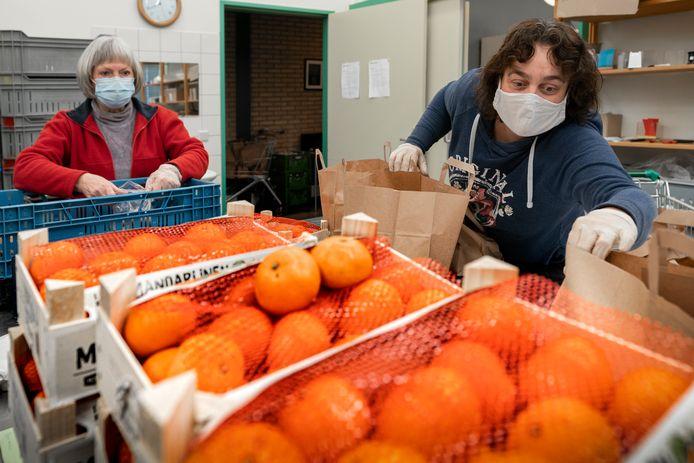 De voedselbanken leveren vooral gezond voedsel.