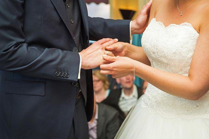 Gemeenten proberen gratis trouwen zo onaantrekkelijk mogelijk te maken