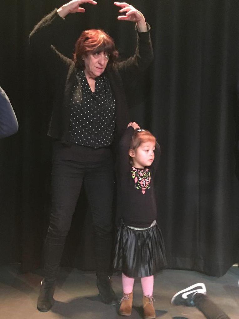 Carla met kleindochter Hailey. Beeld