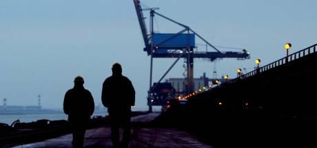 In de Rotterdamse haven liggen de banen voor het oprapen (mits je geschikt bent)