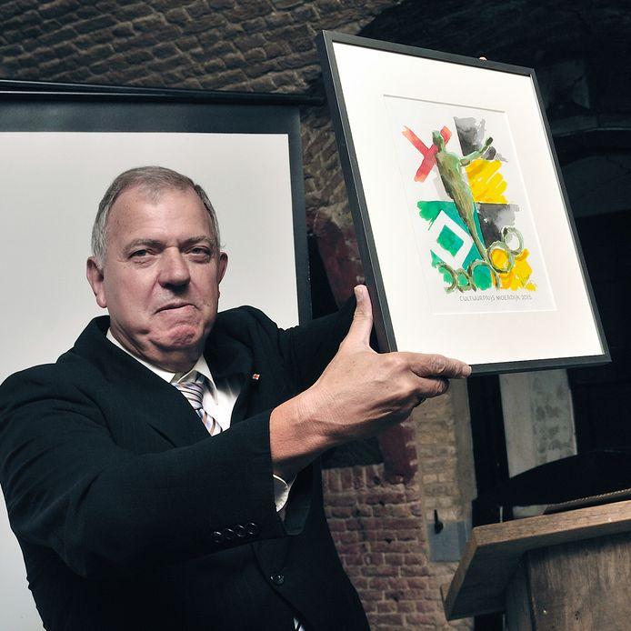 Voorzitter Jan Dierks van heemkundige kring Fijnaart-Heijningen.