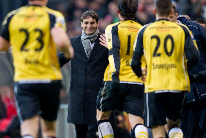 Nebosja Gudelj was in 2012 een jaar trainer van zoon Nemanja bij NAC Breda.