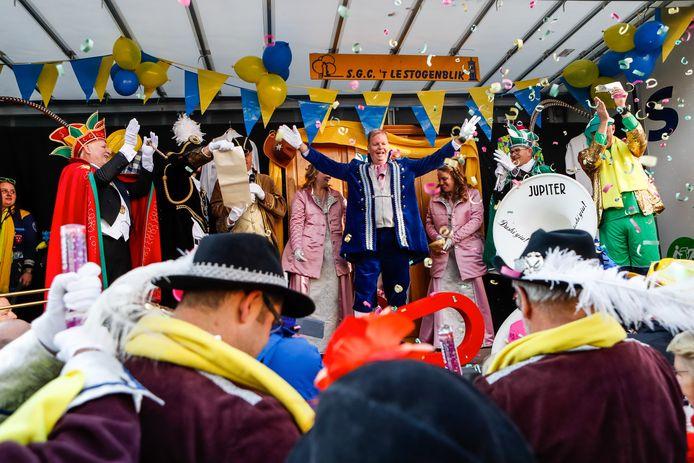 Geen openbare presentatie van de Baron van 't Ginneken dit jaar bij aanvang van het carnavalsseizoen. Een presentatie op de Ginnekenmarkt in het bijzijn van de prinsen van 't Aogje en Giegeldonk is nu niet verantwoord.