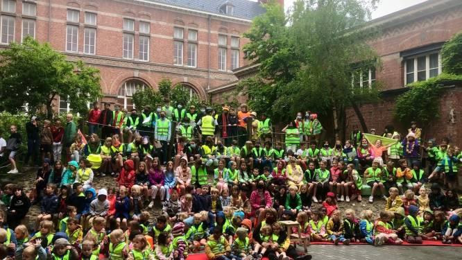 Leefschool De Vlieger mag zich eerste 'Fietsschool van Oostende' noemen