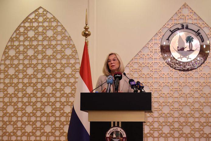 Sigrid Kaag tijdens een persconferentie in Doha, eerder vandaag