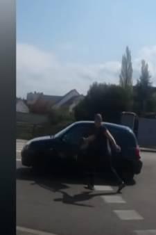 Une altercation dégénère, il fonce sur une famille au volant de sa voiture: la vidéo choc