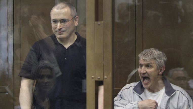 Michail Chodorkovski (L) en Platon Lebedev (R). Beeld AP