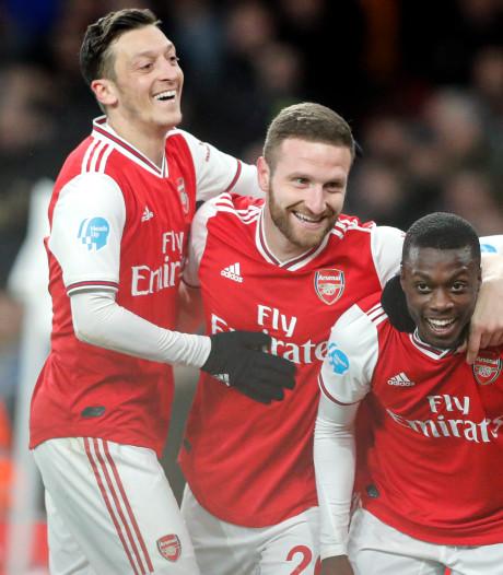 Arsenal mede dankzij eerste seizoensgoal Özil terug in linkerrijtje
