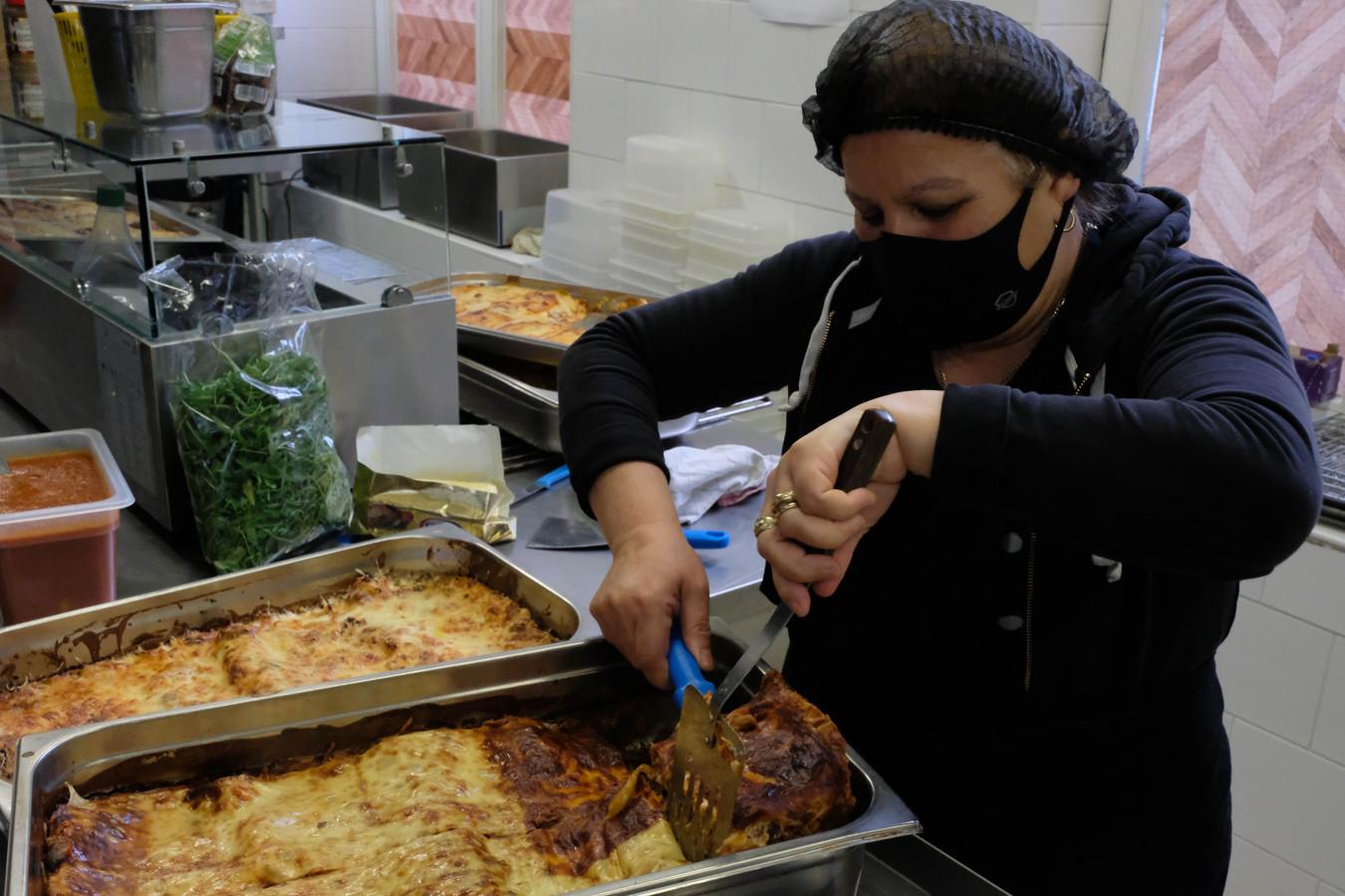 Sociaal restaurant De Refuge startte donderdag met takeaway.